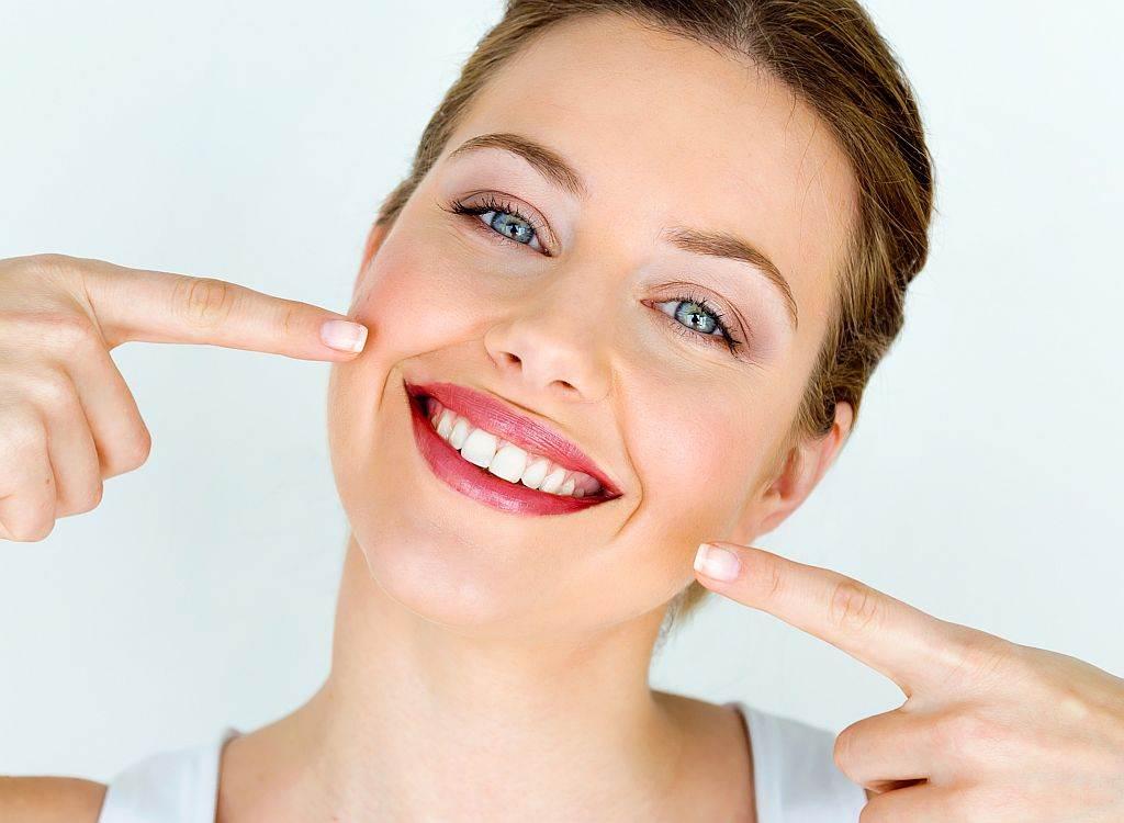 Beli zubi, Osmeh