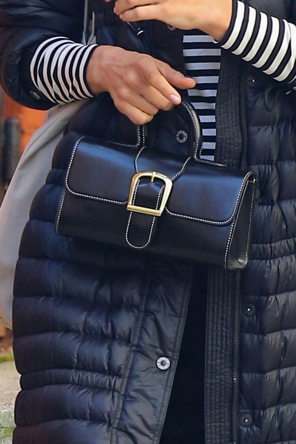 irina sajk moda stil kombinacija torba