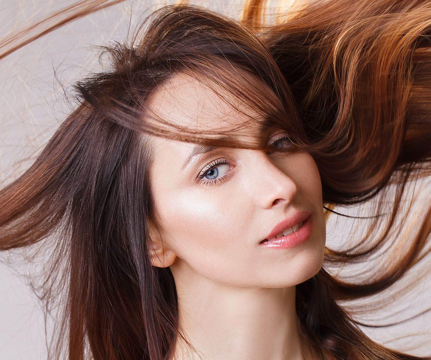 Žena sa sjajnom kosom