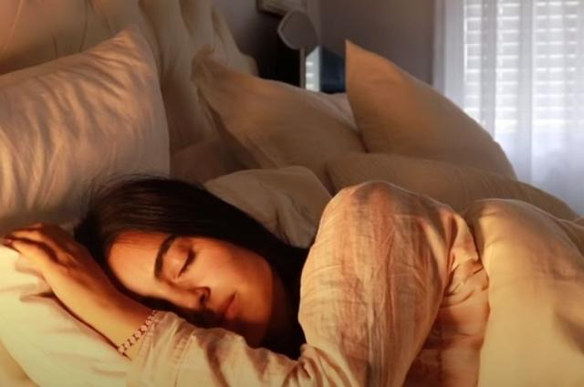 zena spava